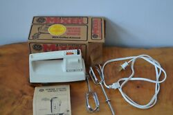 Vintage Ge General Electric 3-speed Portable Hand Mixer Coffee Almond M24 In Box