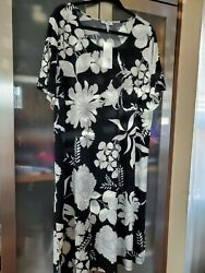 Calvin Klein  Kaftan Maxi Dress 2XTG Black amp; White Flower printed short sleeve  $34.99