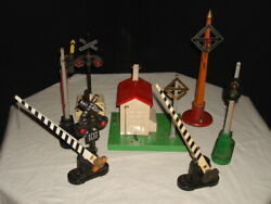 7- Vintage. Lionel And Am. Flyer Pre/post War Railroad Crossing Signs O-guage