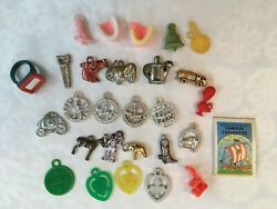 Mixed Lot Vintage 1960s Cracker Jack Gumball Vending Machine Tokens In Candy Tin