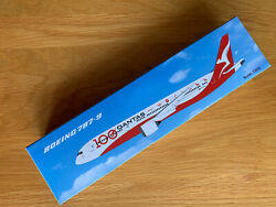 Qantas Boeing 787-9 100th Anniversary Model Plane 1/200 Airplane Vh-znj And Stand