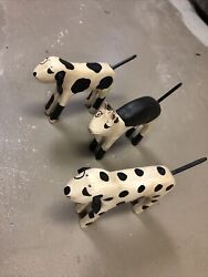 1988 Ted Nichols Signed Hand Carved Wood Hand Painted 7 Dalmation Cat Figurine