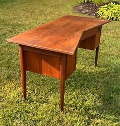 Mid Century Modern Jack Cartwright For Founders Bowtie Desk