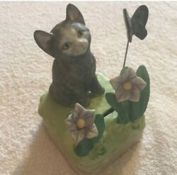 Mann Ceramic Music Box Cat Watching A Butterfly 1986 Plays Memories From Cats