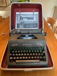 Vintage Early 1950's Royal Quiet Deluxe Portable Manual Typewriter In Case, Gree