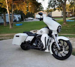 Crushed Ice Pearl Abs Chin Spoiler Fits 2017+ M8 Harley Davidson Touring