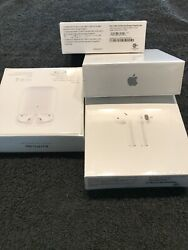 Apple Airpods 2nd Generation With Wireless Charging Case