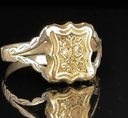Antique Gold Poison Ring With Floral Detail