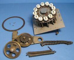12 Record Selector, Trim Ring, Chain And Gears From 1939 Mills Zephyr Jukebox