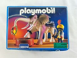 New Sealed Vintage 1995 Playmobil 3809 Albino Circus Elephant And Trainer Rare