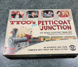 Vintage Ho Tyco Petticoat Junction Electric Train Set For Parts / Pieces As-is