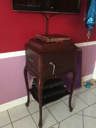 Vintage 1900 Talking Music By Victrola Collectible Radio Stand