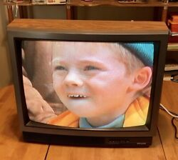Beautiful Vintage 1993 Philco Color 25 Curved Crt Tube Tv Gaming Wood Grain A+