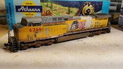 Athearn Union Pacific Ac4400 Weathered Locomotive Engine Ho Dcc Ready Patched