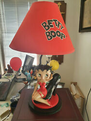 Extremely Rare Betty Boop Sitting In Big Shoe Figurine Table Lamp Statue