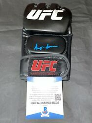 Sean Oandrsquomalley Signed Ufc Boxing Glove The Sugar Show The Champ Beckett 9