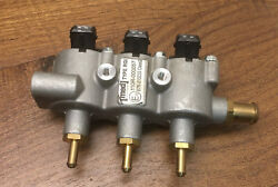1 Fuel Rail With 3 X Landi Renzo Injector Lpg/cng Med Gi-25 Black Top
