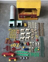 1950's Vintage T Cohn Tin Toy Litho Barn And Farm Accessories
