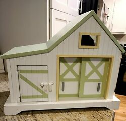 Wooden Horse Barn Stable Toy. Miniature Barn Stable. Green Roof. Opening Doors
