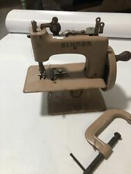 Singer 1926 Sew Handy Model 20 Hand Crank Childs Sewing Machine Small