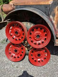 Artillery Wheels, 17 1930's Vehicles Five Rims - See Measurements In Ad. -