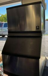 Manitowoc Ice Machine With Storage Bin Barely Used Works Perfectly