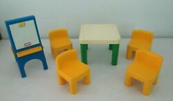 Little Tikes Dollhouse Doll House Furniture - 4 Chairs Table And Easel
