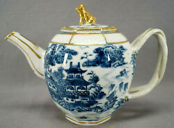 Chinese Export Hand Painted Blue And White Pagodas Foo Dog Finial Teapot C. 1770