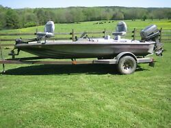 1984 Glasstream 16' 10 Bass Boat And Trailer With 90 Hp Suzuki Dt90 Outboard