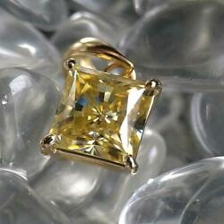 K18 Best Moissanite Princess 1ct Pendant Jewelry Made In Japan