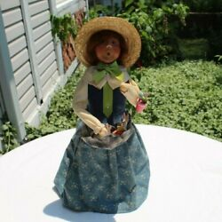 Byers Choice 2009 Victorian Easter Lady W/ Wooden Bunny Ornaments And Plant 13