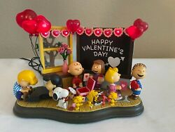 Danbury Mint Peanuts Be My Valentine Lighted Sculpture Snoopy Charlie Brown