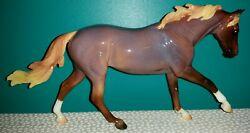 """NEW Breyer Traditional BFest 2021 Special Run Model """"7 Arts Surprise"""" GLOSSY 2"""