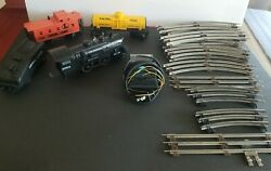 Lionel Vintage Steam Locomotice 8704 With 3 Train Cars Transformer And Tracks