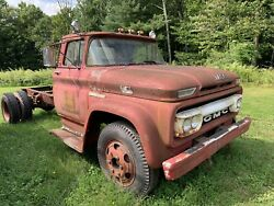 1962 Gmc 4000 Retired Firetruck / Cab And Chassis Big Block 305 V6 Motor Parts Car