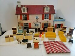 Vintage 1950s Marx Metal Tin Dollhouse Suburban Colonial With Furniture Lot Nice