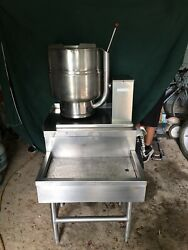 Groen Tdb/7-40 40qt Jacketed Electric Tilt Steam Kettle With Stand