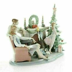 Lladro Retired Limited A Family Christmas 01008260 Holiday Porcelain Figure