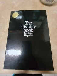 Vintage 1982 Zelco Industries The Original Itty Bitty Book Light Model 10013.