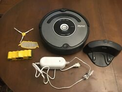 Irobot Roomba 560 Robot Vacuum For Parts, With Extras Charging Dock/2 Batteries
