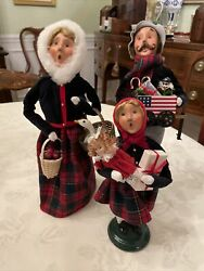 Byers Choice Carolers Family- Dad Mom Daughter With American Theme
