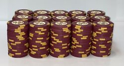 300 5 Holiday In Reno Hce Mold Casino Poker Chips - Vintage Clay Rare