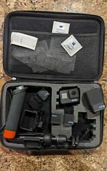 Gopro Hero 7 Black 4k With Accessories 3 Oem Batteries And Charger Mint Cond.