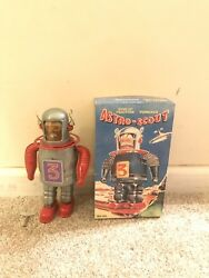 Tin Tom Toy Astro-scout Wind Up Friction Powered Tin Robot Item Tr-2010