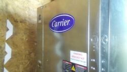carrier heat pump 50PCH048ZCC5ACN1 Nominal Capacity 4 tons (Small dent on top)
