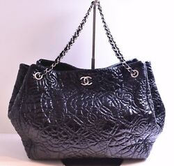AUTH CHANEL LIMITED SILVER HW EMBOSSED BLACK PATENT LEATHER CAMELLIA FLOWER BAG