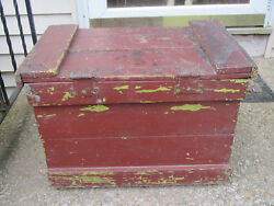 Antique/ Primitive Wood Carpenters Tool Box W Cast Metal Pulls And Tray Insert