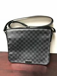Men's Louis Vuitton Messenger Bag LV Crossbody Graphite Pre-Enjoyed