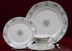 Wedgwood China Agincourt Green R4471 Pattern 4-piece Place Setting