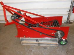 SINGLE ROW PTO DRIVEN POTATO HARVESTER W THREE POINT HITCH